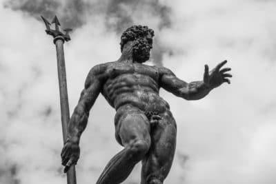 Bologna e i suoi simboli: Piazza Maggiore, le due Torri, i portici, la Fontana del Nettuno, l'Archiginnasio
